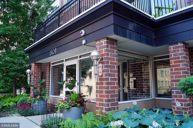301 Oak Grove Street #211, Minneapolis, MN 55403 (#5678335) :: Carol Nelson   Edina Realty