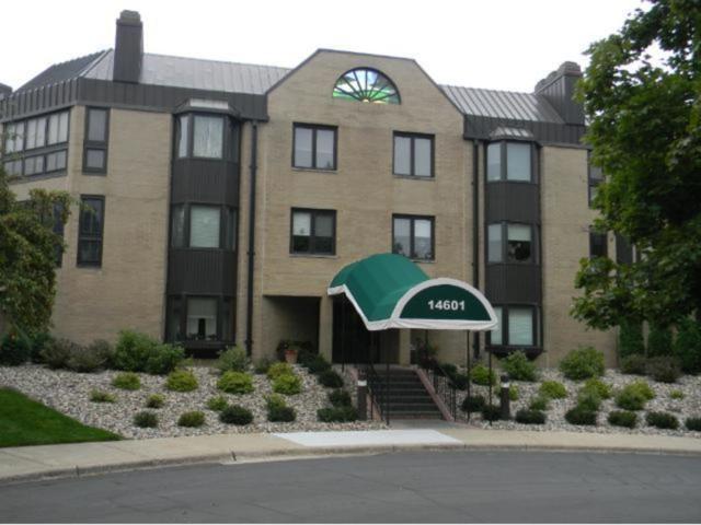14601 Atrium Way #312, Minnetonka, MN 55345 (#4865254) :: House Hunters Minnesota- Keller Williams Classic Realty NW