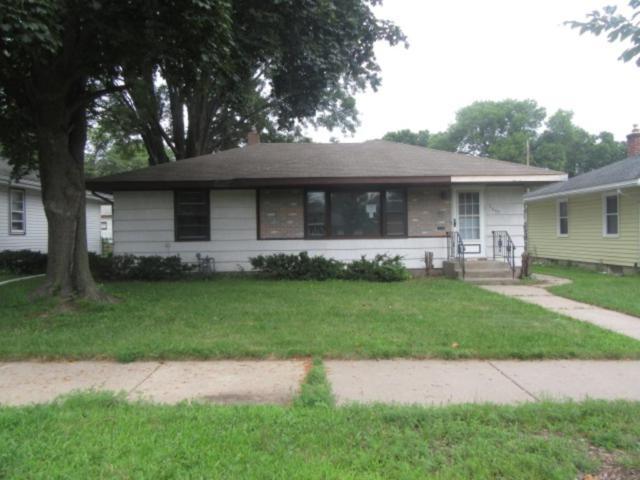 1609 Montana Avenue E, Saint Paul, MN 55106 (#4867433) :: The Search Houses Now Team