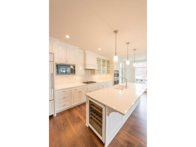 875 Lake Street N #201, Wayzata, MN 55391 (#4876580) :: The Preferred Home Team