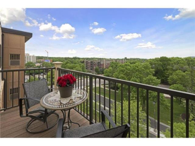 1155 Ford Road #501, Saint Louis Park, MN 55426 (#4877734) :: The Preferred Home Team