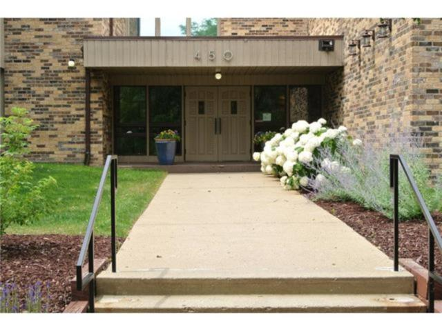 450 Ford Road #226, Saint Louis Park, MN 55426 (#4878776) :: The Preferred Home Team