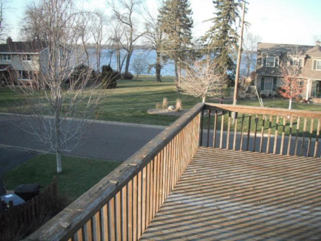 732 Sunshine Court SE, Forest Lake, MN 55025 (#4896390) :: Team Firnstahl
