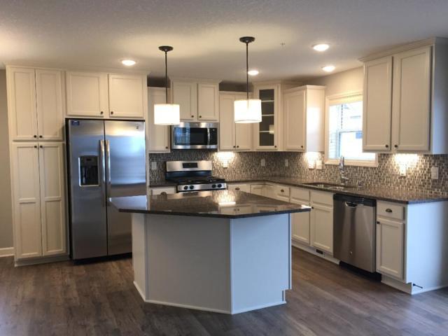 9952 5th Street Lane N, Lake Elmo, MN 55042 (#4899945) :: Olsen Real Estate Group