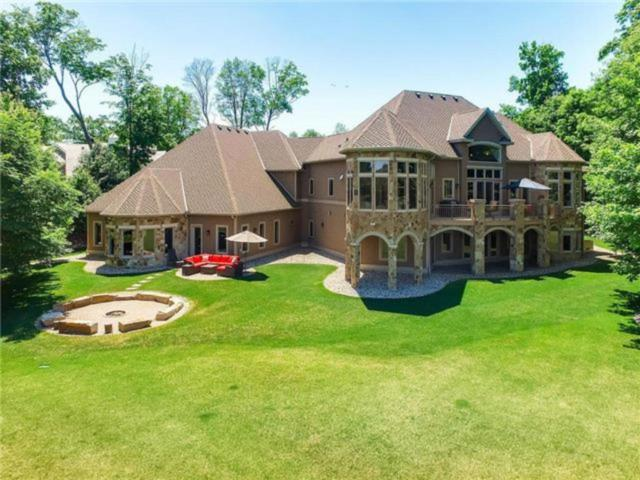 27630 Virginia Cove, Shorewood, MN 55331 (#4905986) :: Hergenrother Group