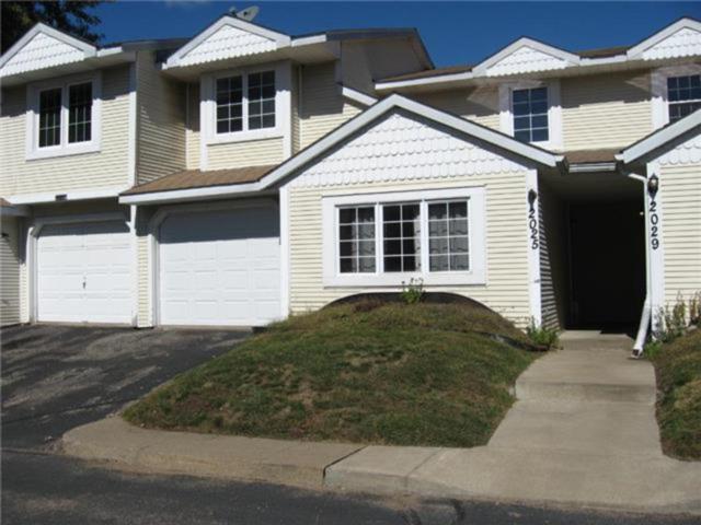 2025 Creekside Way, Saint Paul, MN 55119 (#4906480) :: Olsen Real Estate Group
