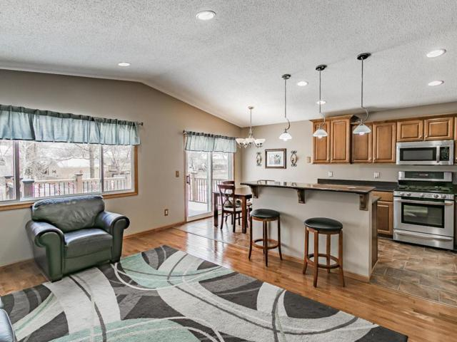 2135 Cliffhill Lane, Eagan, MN 55122 (#4935042) :: Twin Cities Listed