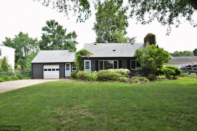 2118 Oakwood Drive, Mounds View, MN 55112 (#4960342) :: The Snyder Team