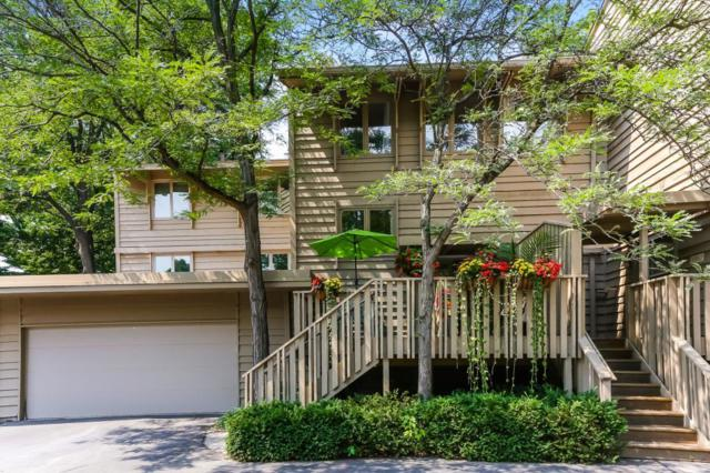 10384 Rich Road, Bloomington, MN 55437 (#4990366) :: The Janetkhan Group