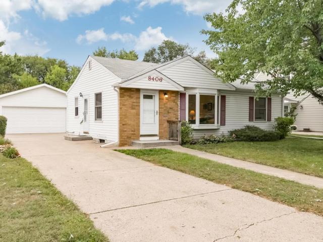 8406 Cedar Lake Road S, Saint Louis Park, MN 55426 (#5004600) :: The Preferred Home Team