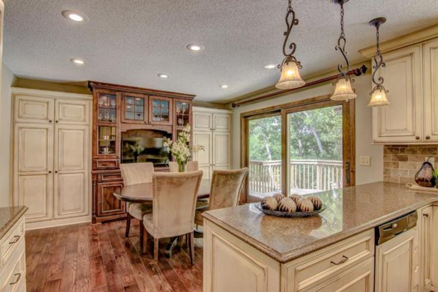 126 Sweetwater Drive, Apple Valley, MN 55124 (#5008019) :: The Snyder Team