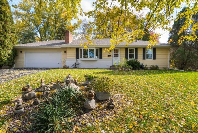 8331 Quinn Road, Bloomington, MN 55437 (#5014158) :: Twin Cities Listed