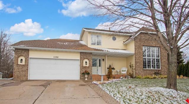 1120 Granada Way N, Oakdale, MN 55128 (#5016343) :: Olsen Real Estate Group