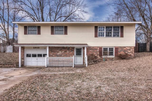 2928 Jupiter Avenue, Eau Claire, WI 54703 (MLS #5027000) :: The Hergenrother Realty Group