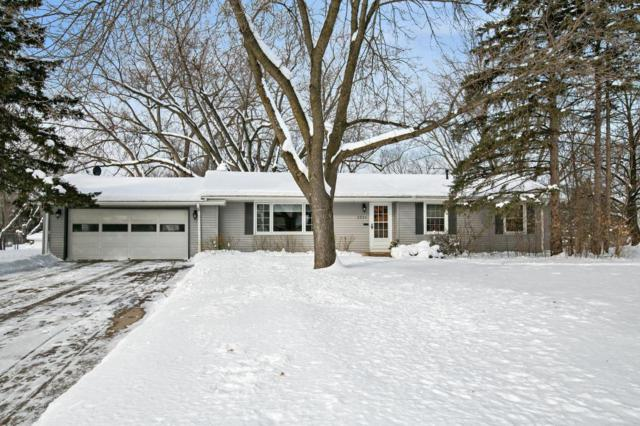 2224 Overlook Drive, Bloomington, MN 55431 (#5132597) :: Twin Cities Listed