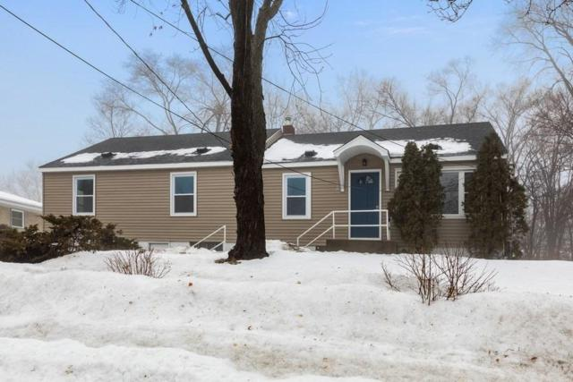 2710 W 110th Street, Bloomington, MN 55431 (#5200265) :: The Janetkhan Group