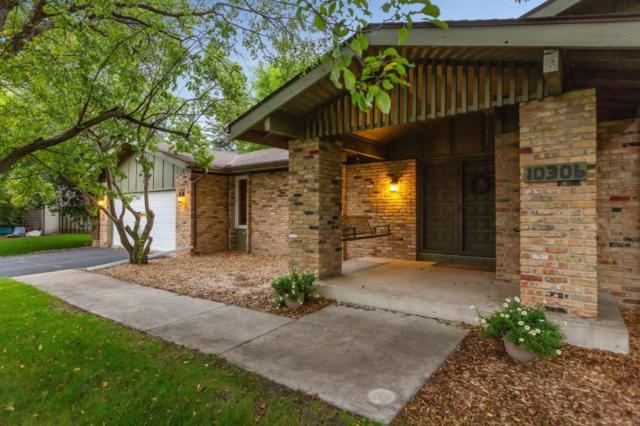 10306 Toledo Circle, Bloomington, MN 55437 (#5229122) :: Hergenrother Group