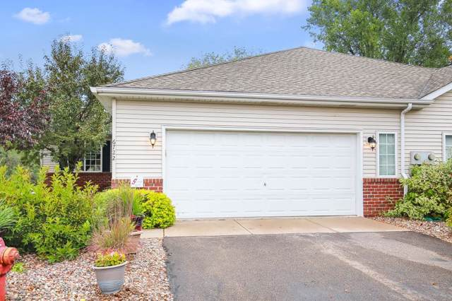6722 10th Street Court N, Oakdale, MN 55128 (#5259358) :: Olsen Real Estate Group
