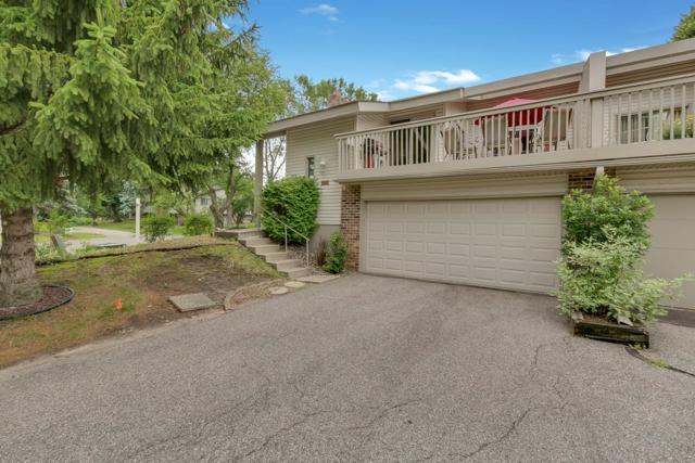 9725 Dorset Lane, Eden Prairie, MN 55347 (#5263768) :: House Hunters Minnesota- Keller Williams Classic Realty NW