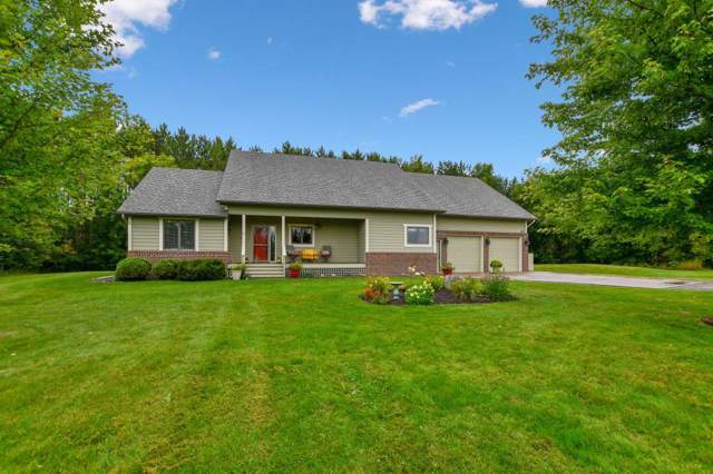 8807 275th Street, Chisago City, MN 55013 (#5284333) :: Bre Berry & Company