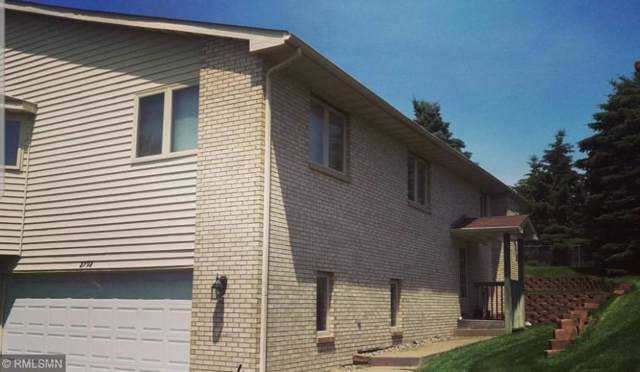 2792 Robinwood Way, Woodbury, MN 55125 (MLS #5295026) :: The Hergenrother Realty Group