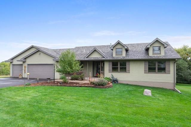 448 N Glover Road, Troy Twp, WI 54016 (MLS #5295992) :: The Hergenrother Realty Group