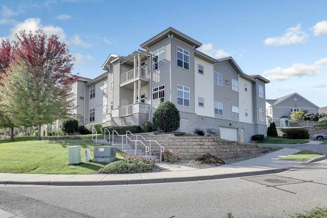1256 County Road D E #103, Maplewood, MN 55109 (#5320268) :: Bre Berry & Company