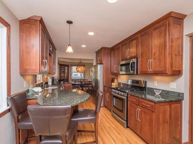 5128 Meadow Ridge, Edina, MN 55439 (#5327100) :: Troy Martenson Group