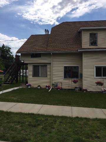 422 Walnut Street, Spooner, WI 54801 (#5333711) :: The Odd Couple Team