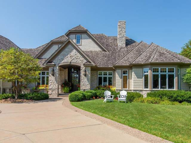 18370 Nicklaus Way, Eden Prairie, MN 55347 (#5336126) :: The Janetkhan Group
