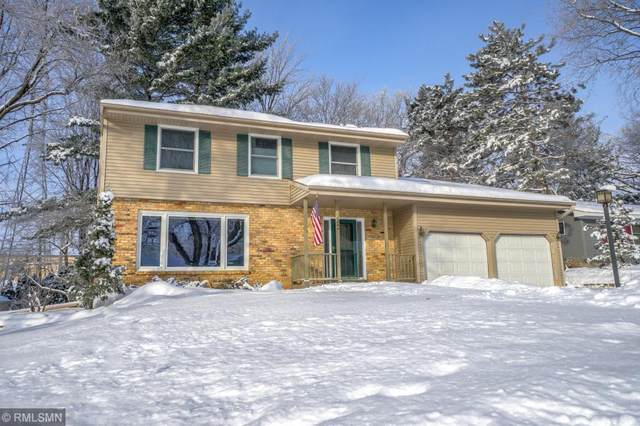 1864 Lamplight Drive, Woodbury, MN 55125 (#5483610) :: Holz Group