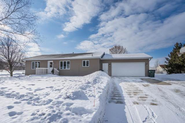 304 Quince Street SW, New London, MN 56273 (#5483630) :: The Odd Couple Team