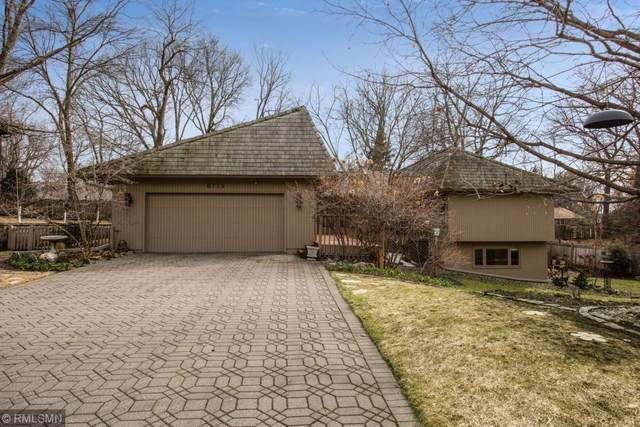 6719 Apache Road, Edina, MN 55439 (#5484323) :: The Odd Couple Team