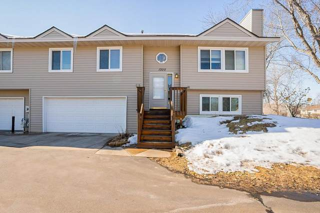 1300 Deercliff Lane, Eagan, MN 55123 (#5489872) :: Bre Berry & Company