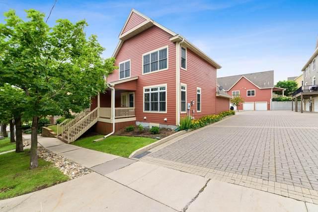 20 Como Avenue, Saint Paul, MN 55103 (#5500639) :: Tony Farah   Coldwell Banker Realty