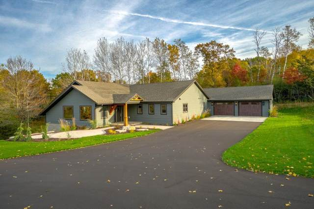 902 Crane Hill Trail, Hudson, WI 54016 (MLS #5543910) :: The Hergenrother Realty Group