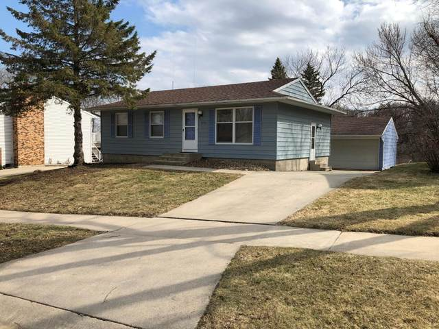 4054 4th Place NW, Rochester, MN 55901 (MLS #5549156) :: The Hergenrother Realty Group
