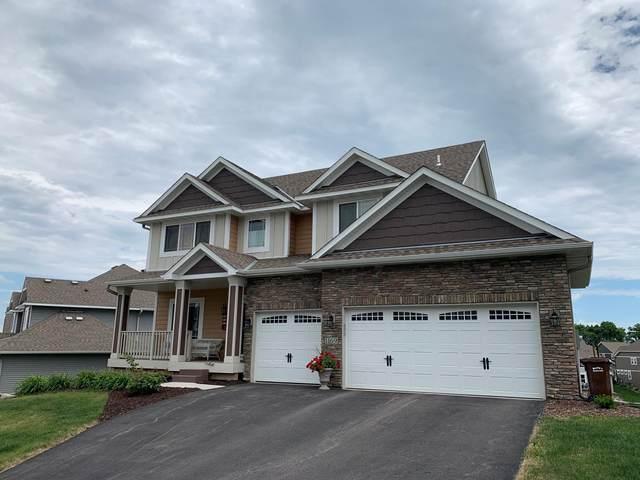 1169 Rosemary Lane, Chaska, MN 55318 (#5551545) :: The Janetkhan Group