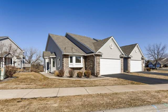 1083 Westcliff Curve, Shoreview, MN 55126 (#5556447) :: Bre Berry & Company