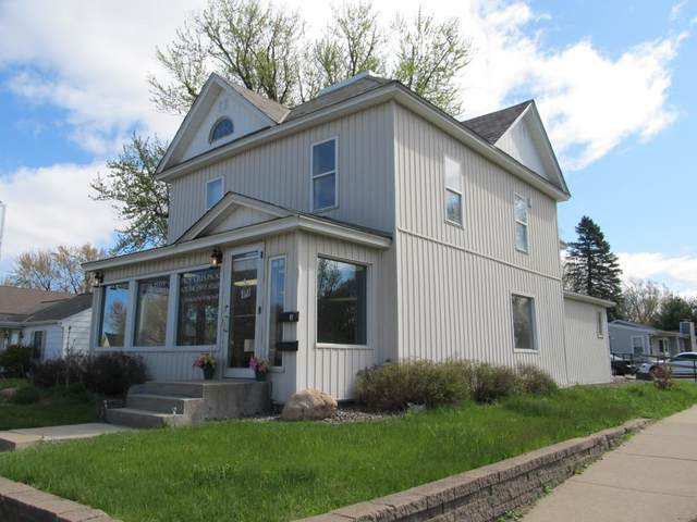 558 S Knowles Avenue, New Richmond, WI 54017 (#5563669) :: Bos Realty Group