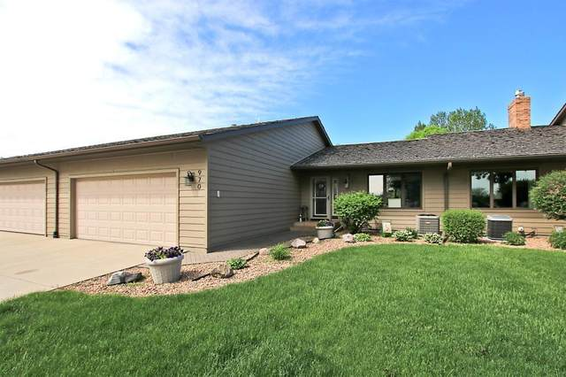 970 Rolling Greens Lane NW, Hutchinson, MN 55350 (#5575222) :: The Janetkhan Group