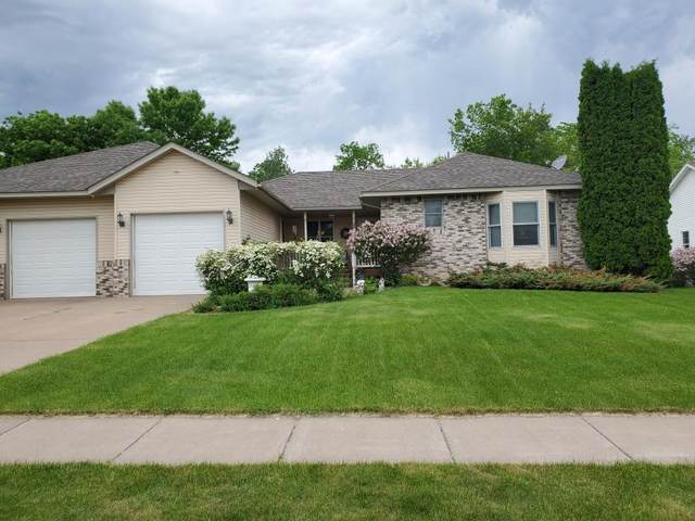 10998 278th Street, Chisago City, MN 55013 (#5576610) :: Bre Berry & Company
