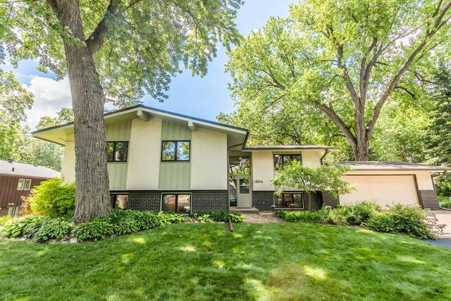 1894 Stowe Avenue, Arden Hills, MN 55112 (#5612849) :: Happy Clients Realty Advisors
