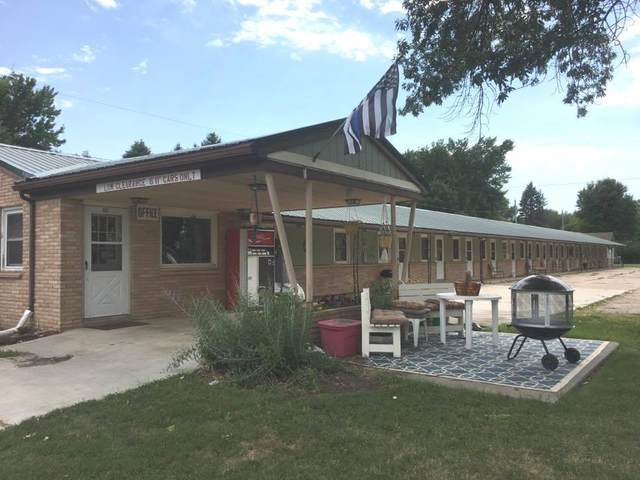 601 1st Avenue W, Lamberton, MN 56152 (#5614405) :: The Odd Couple Team