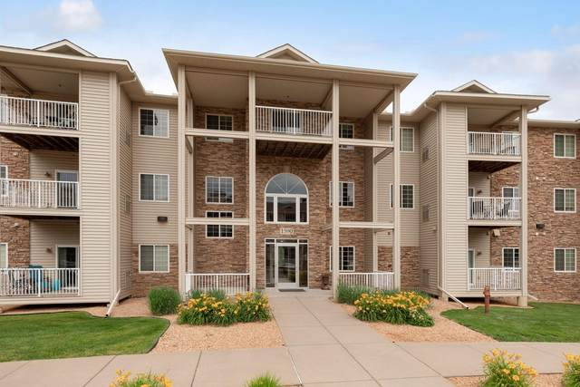 1590 Parkwood Drive #204, Woodbury, MN 55125 (#5614813) :: The Preferred Home Team