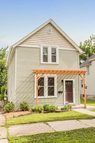 1053 Charles Avenue, Saint Paul, MN 55104 (#5617416) :: Happy Clients Realty Advisors