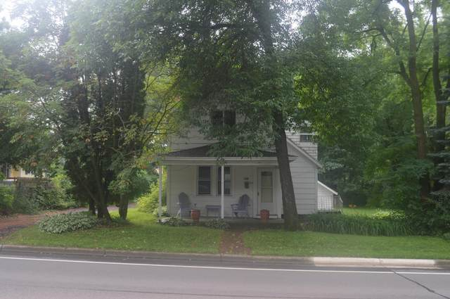 1509 Pine Street W, Stillwater, MN 55082 (MLS #5617763) :: The Hergenrother Realty Group