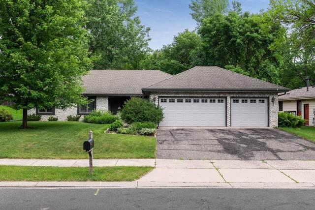 9243 Hyland Creek Road, Bloomington, MN 55437 (#5618533) :: The Preferred Home Team