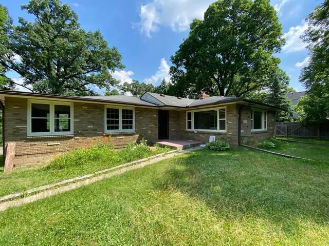 11401 Ridgemount Avenue W, Minnetonka, MN 55305 (#5618622) :: The Pietig Properties Group