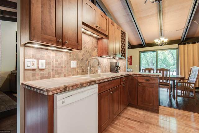 9718 Mill Creek Drive, Eden Prairie, MN 55347 (#5618660) :: The Preferred Home Team